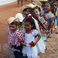 Escola mantém a tradição e promove festa junina em Vicentinópolis