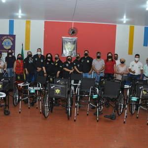 Conselho Comunitário de Segurança e Defesa Social de Goiatuba inaugura banco de cadeiras de roda