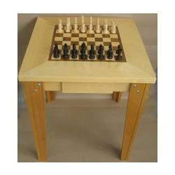 Mesa para xadrez com 4 pés
