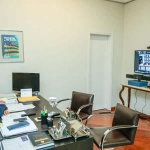 Caiado anuncia mais 160 mil novas doses de vacinas para Goiás