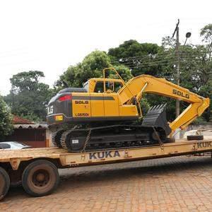 Prefeitura de Pontalina adquire escavadeira com recursos próprios