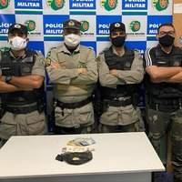 Policiais militares combatem tráfico de drogas