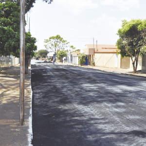 Prefeitura pavimenta ruas de pedra na região central