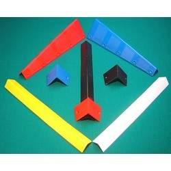 Cantoneiras em Plástico de cores variadas